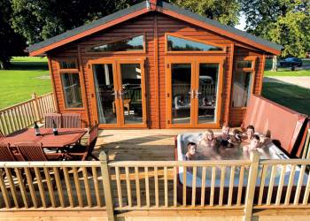 Athelington Hall Farm Lodges