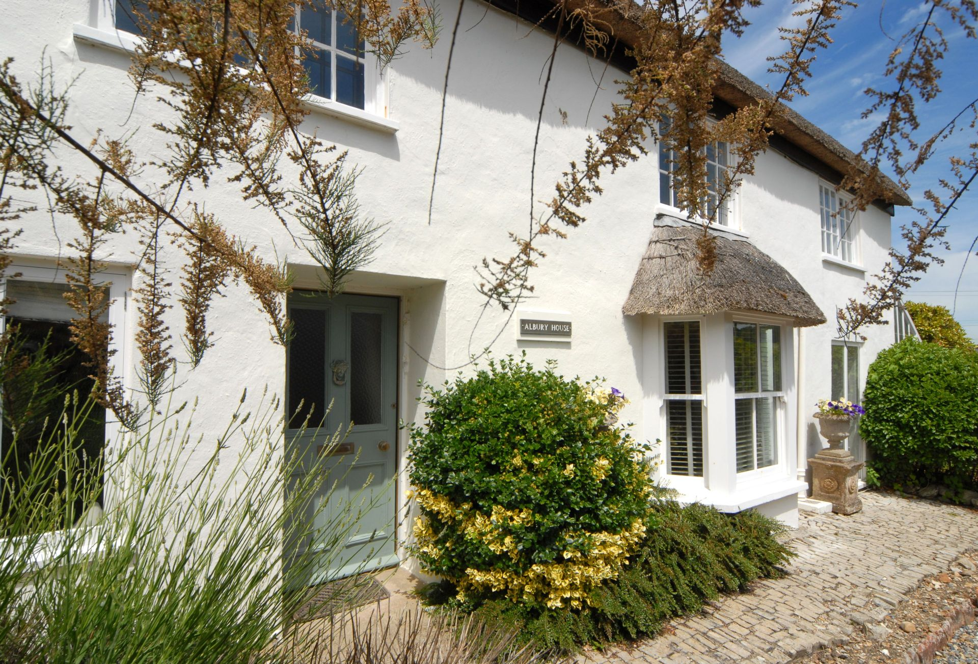 More information about Albury House - ideal for a family holiday