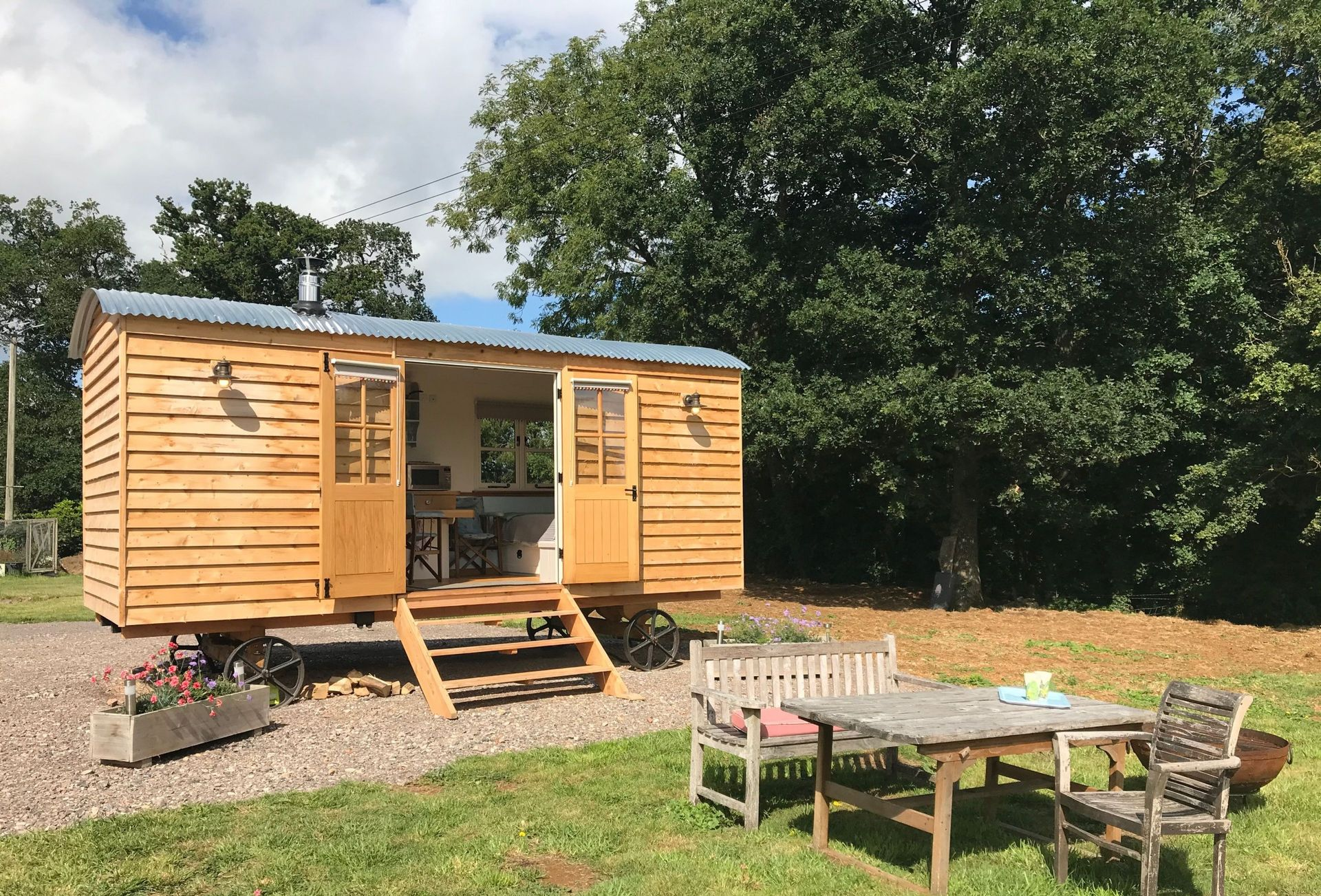 More information about Blossom the shepherd's hut - ideal for a family holiday