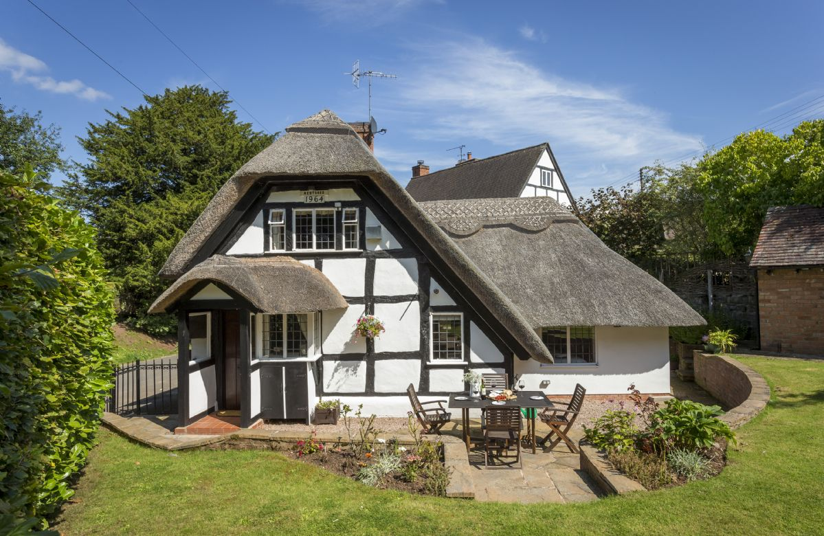 More information about Corner Thatch - ideal for a family holiday