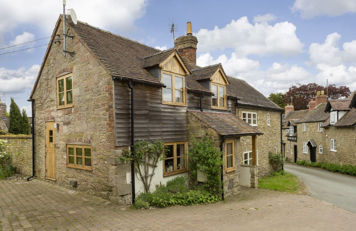 More information about New Inn Cottage - ideal for a family holiday