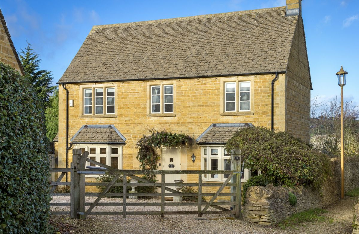 More information about Compton House - ideal for a family holiday