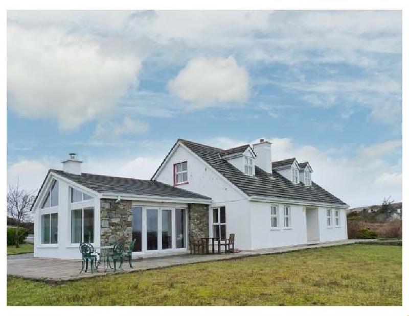 More information about Roundstone - ideal for a family holiday