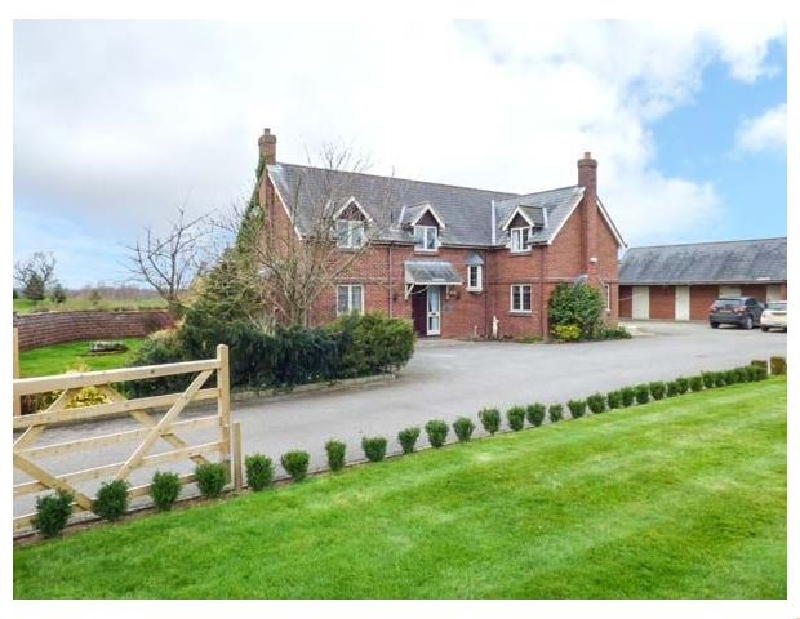More information about Manor Wood - ideal for a family holiday