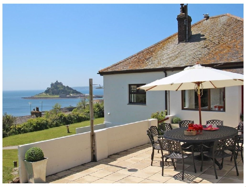 Castle Bay a british holiday cottage for 10 in ,