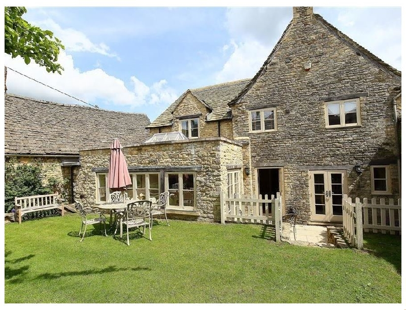 More information about Coach House Burford - ideal for a family holiday