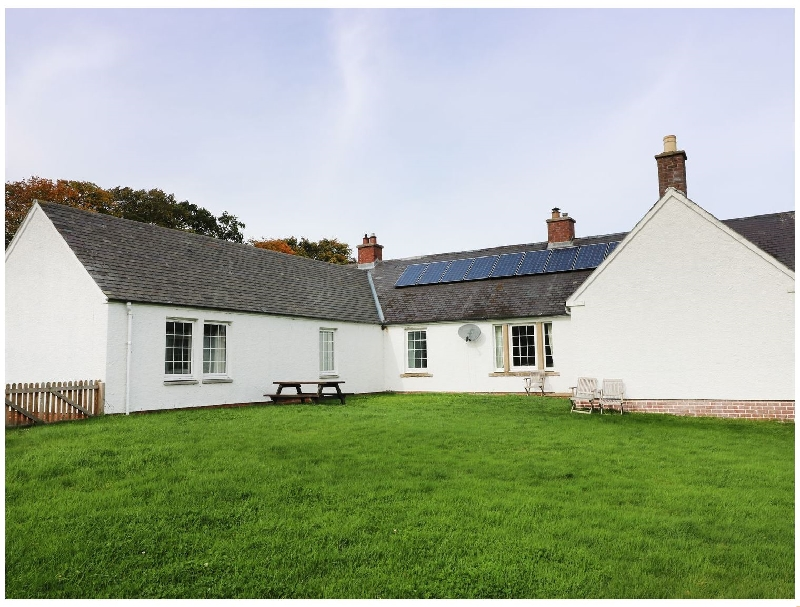More information about White House - ideal for a family holiday