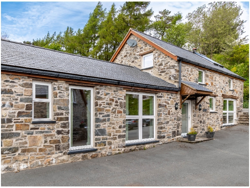 More information about Bwthyn Clychau'r Gog - ideal for a family holiday
