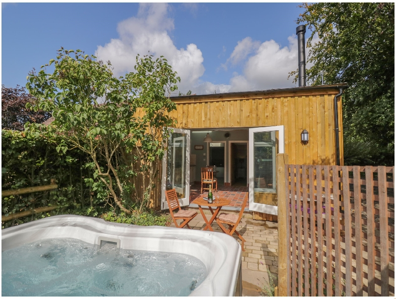More information about Hen House View - ideal for a family holiday