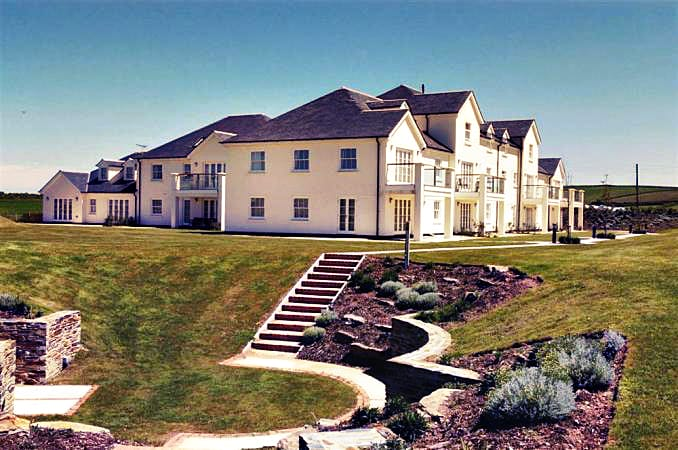 2 Thurlestone Beach Apartments a british holiday cottage for 6 in ,