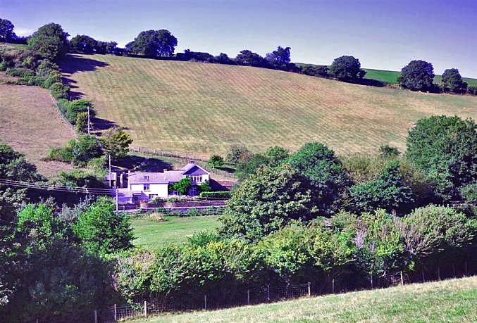 Bridge Park Cottage a british holiday cottage for 10 in ,