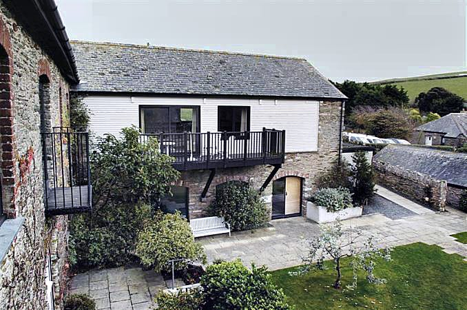 Court Barton Cottage No. 11 a british holiday cottage for 6 in ,