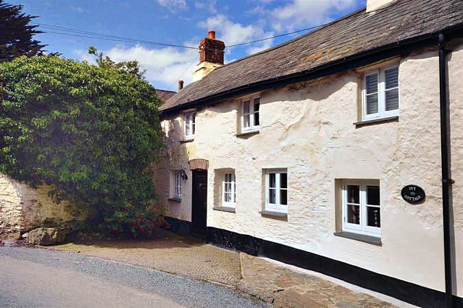 Ivy's End a british holiday cottage for 4 in ,
