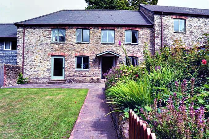 Oak End Barn a british holiday cottage for 6 in ,