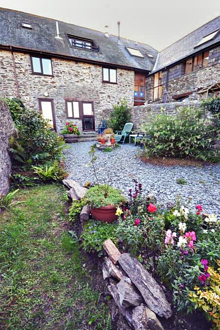 Threshing Cottage Garden Apartment a british holiday cottage for 2 in ,
