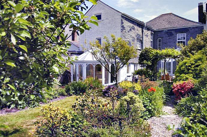 Western Knowle a british holiday cottage for 8 in ,
